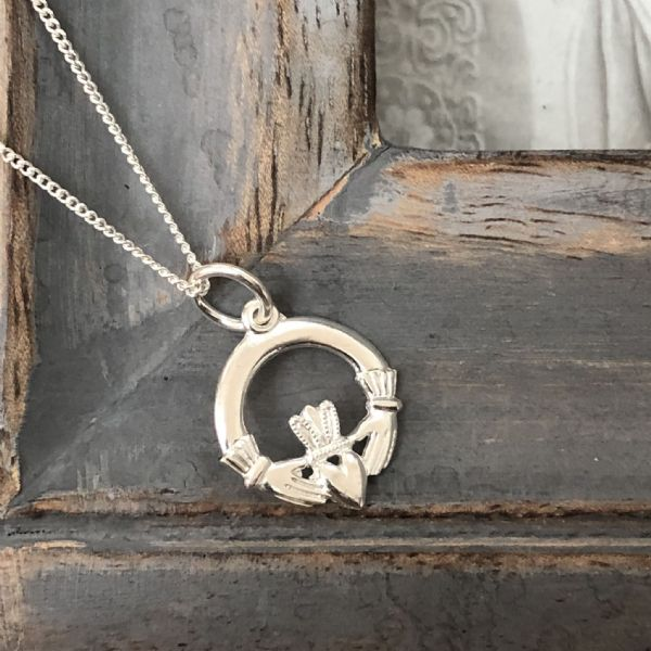 Wedding jewellery - silver claddagh necklace